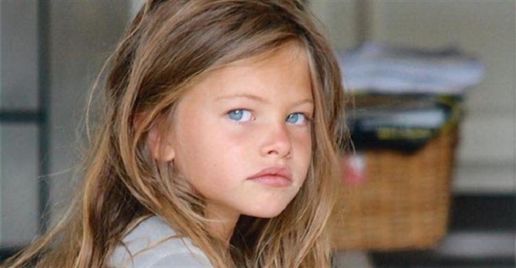Ця маленька дівчинка була найкрасивішою в світі. А тепер вона виросла!