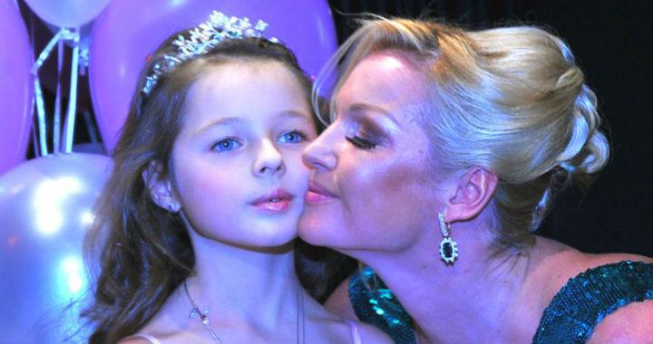 Крутіша, ніж мама: 12-річна дочка Анастасії Волочкової дебютувала в якості моделі в Москві