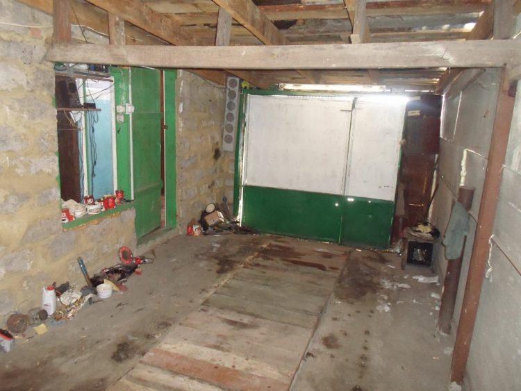 Молода пара перетворила покинутий гараж в прекрасний будинок в вінтажному стилі