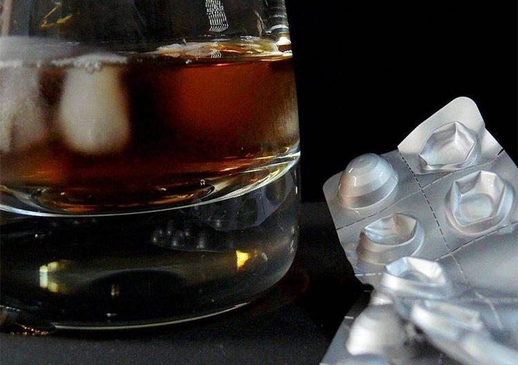 6 найнебезпечніших комбінацій ліків і алкоголю