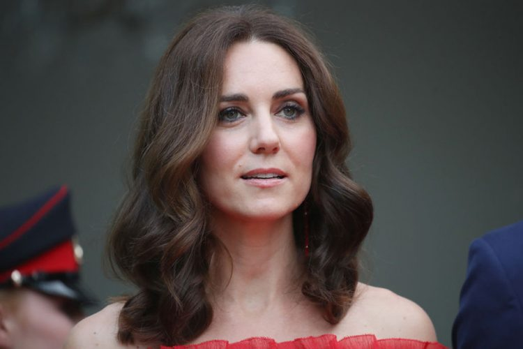 Ще одна «жертва» королеви Єлизавети: в чому винна Кейт Міддлтон?