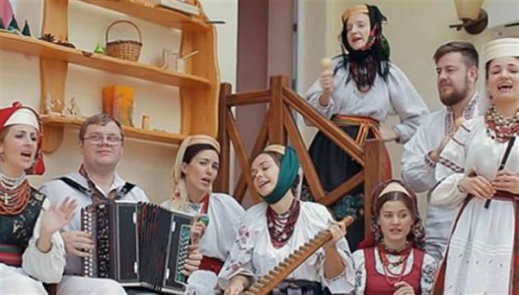 """В мережі набирає популярності українська народна пісня Despacito """"Де ж те сито?"""""""