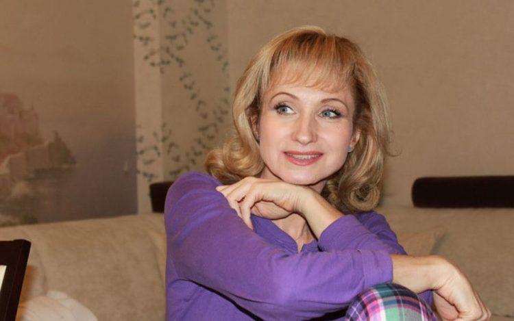 Пам'ятаєте харизматичну Жанну Аркадіївну з «Няні»? Тільки погляньте як живе самотня актриса Ольга Прокоф'єва