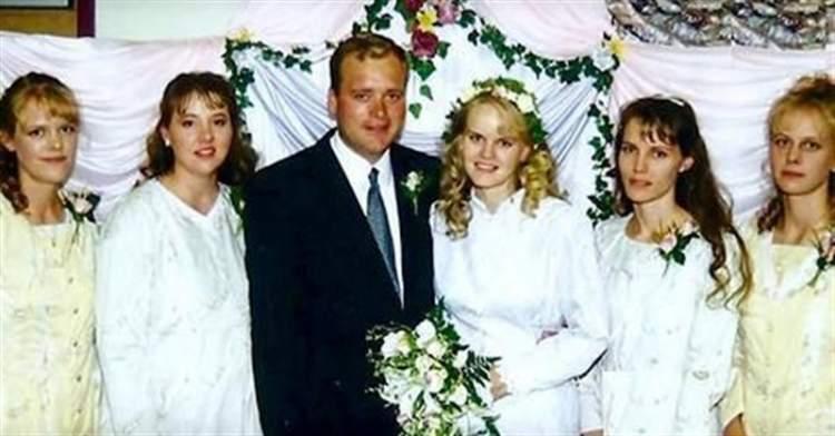 У цього чоловіка аж 5 дружин. Коли він розмістив камери в спальні, глядачі втратили дар мови!