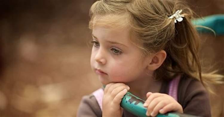 Цю дівчинку покинув батько. Те, що вона сказала матері, має стати уроком для всіх!