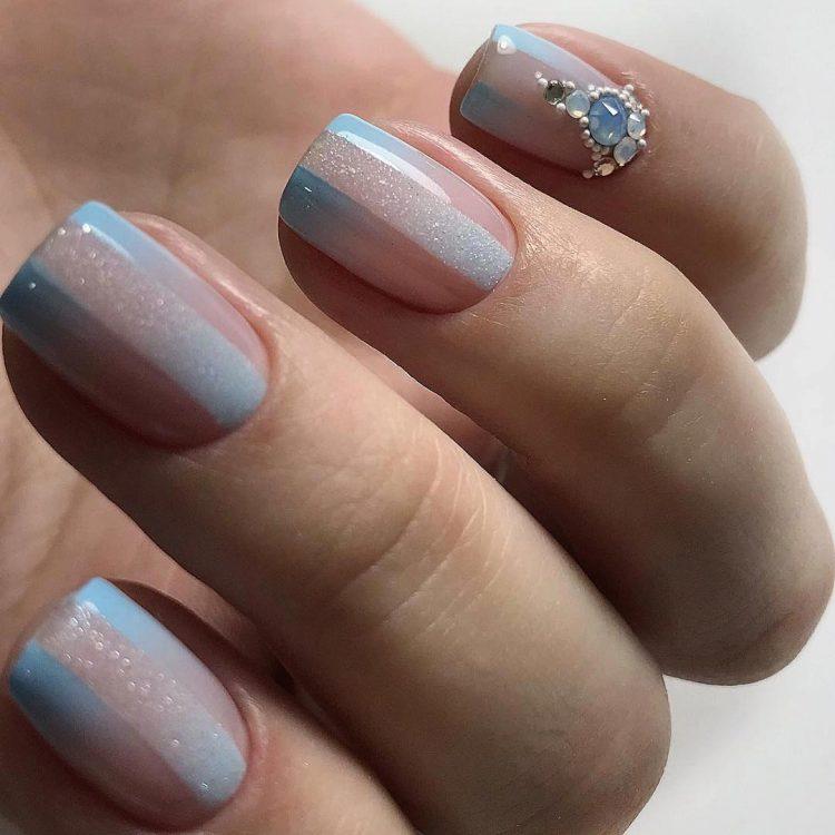 Короткі нігті: 30 витончених ідей для жіночного ніжного манікюру