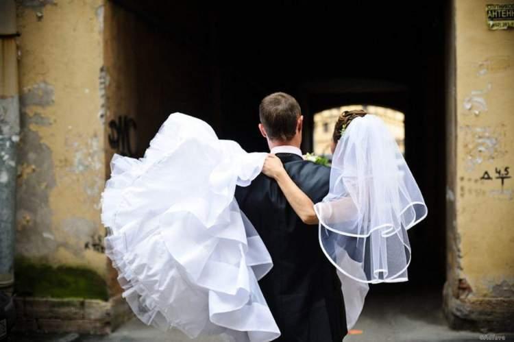 Юрист одружився з жінкою, у якої до нього було 10 чоловіків
