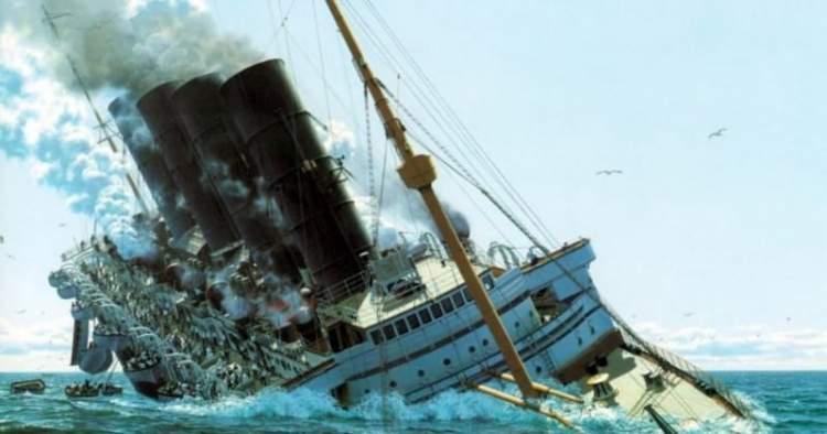 Чоловік залишив дружину на лайнері, який йшов на дно – їй не залишилося місця в рятувальній шлюпці