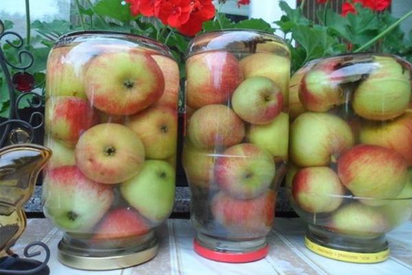 Найпростіший рецепт мочених яблук. До зими не стоять, розлітаються!