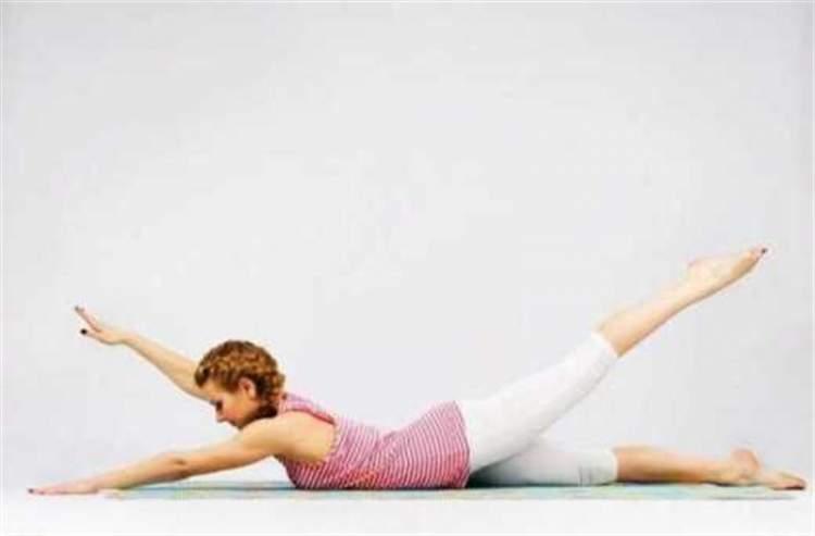 7 корисних вправ, що творять дива з організмом жінки