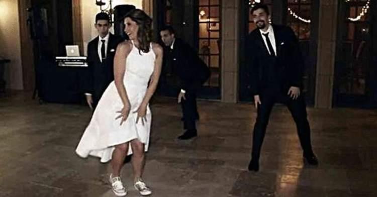 Перший танець на своєму весіллі вона станцювала не з чоловіком, а з синами