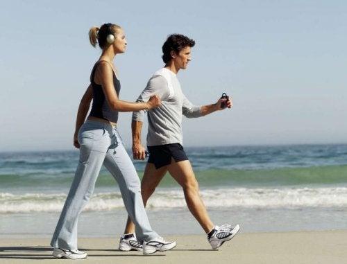 Досвідчений лікар: «6 простих змін, щоб покращити здоров'я серцево-судинної системи вже сьогодні …»